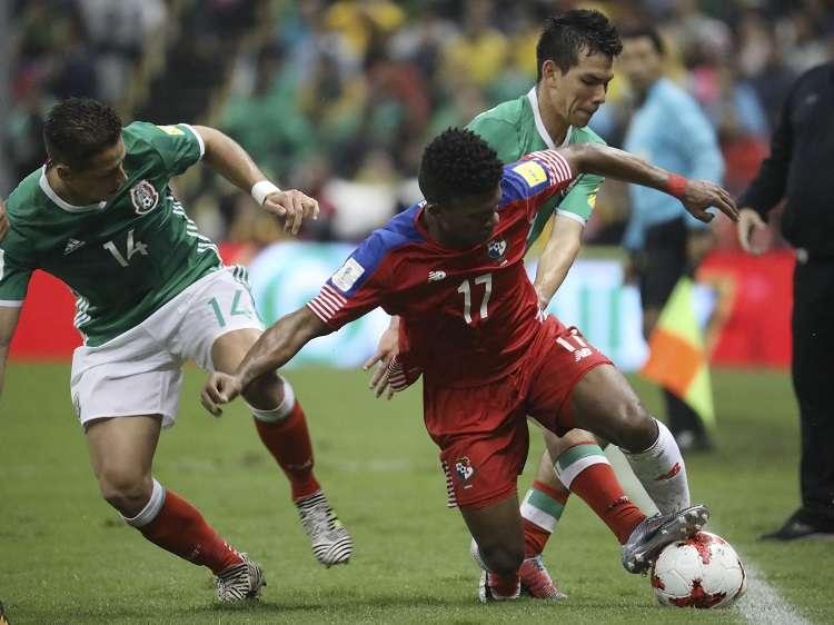 Partido entre México y Panamá, en el estadio Azteca en el eliminatoria para Rusia 2018. / Foto AP