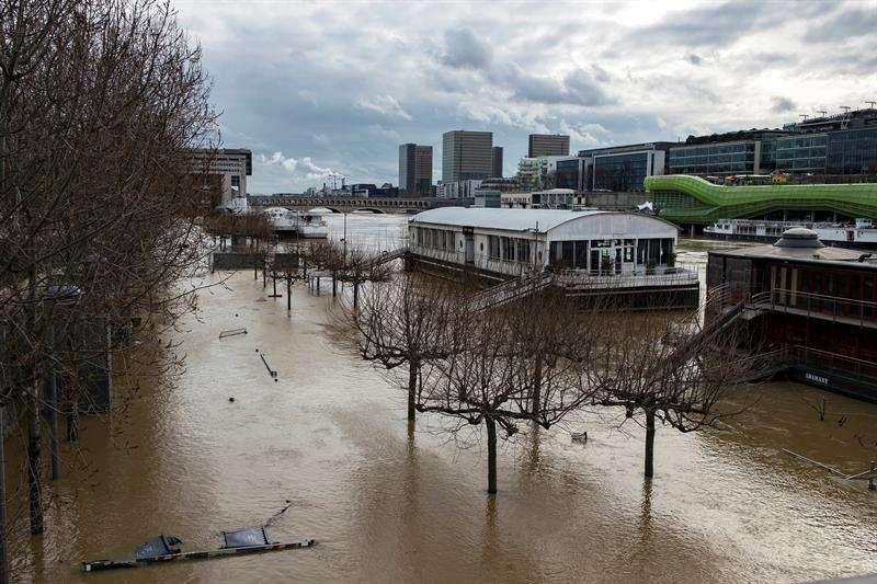 Vista de inundaciones cerca del río Sena, en París (Francia). EFE/Archivo