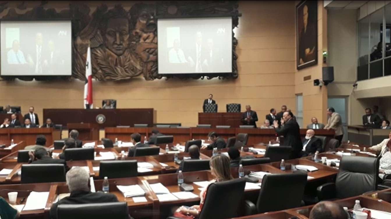 La sesión fue candente durante las casi más de tres horas que duró. /  Foto: Eswards Santos