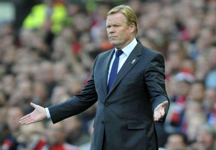 """El holandés Ronald Koeman manifestó durante su presentación que se siente """"muy feliz"""" de tomar las riendas del equipo nacional. Foto AP"""