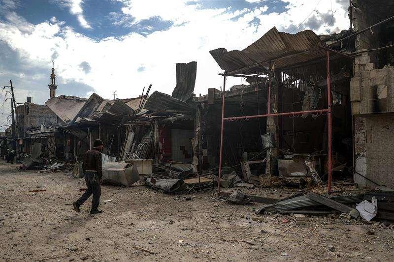 Edificios destruídos tras un bombardeo en Duma en Siria. EFE