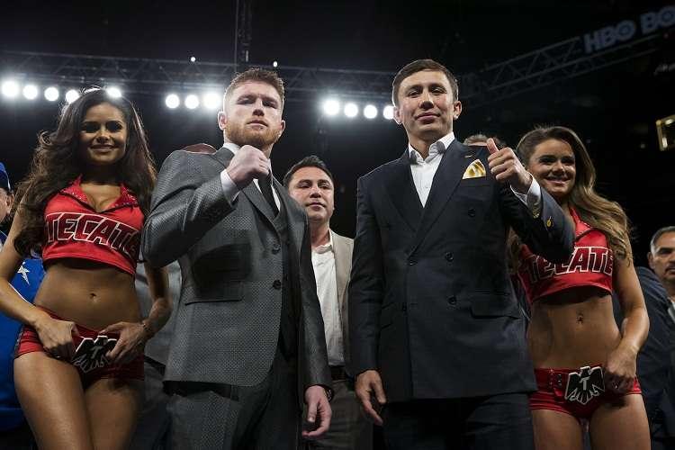 "Saul ""Canelo"" Alvarez (Izq.)  junto a Gennady Golovkin. Foto: AP"