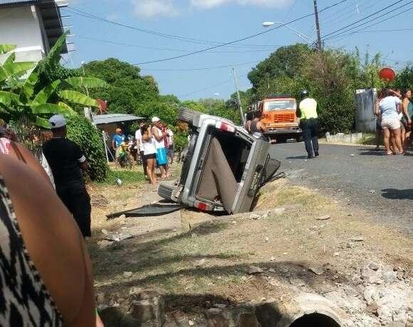 Vista general del accidente en e San Carlos. /  Foto: @TraficoCPanama