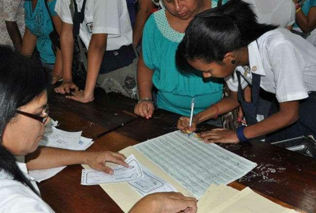 La entrega de las becas se realizará en los respectivos centros educativos.