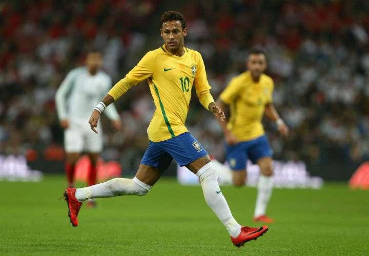 Neymar, la principal figura de Brasil, no estará en el partido de vuelta entre el Real Madrid y el PSG, válido por la Liga de Campeones. Foto AP