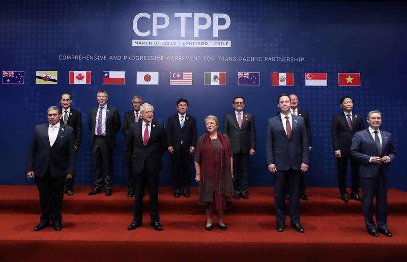 Representantes de los países de la cuenca del Pacífico que firmaron en Chile el Tratado Integral y Progresista de Asociación Transpacífico. Foto: EFE