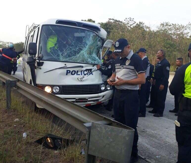 Tras ser estabilizado el herido fue trasladado a un hospital en ciudad de Panamá debido a su condición de salud. Foto: Delfia Cortez
