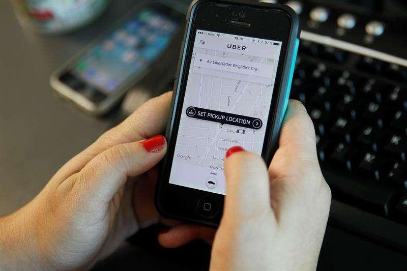 """Se perfeccionarán los """"puntos de recogida o de destino ideal, así como las mejores rutas para usuarios y conductores"""" y también mejorará el cálculo de los tiempos de llegada. EFE Archivo"""