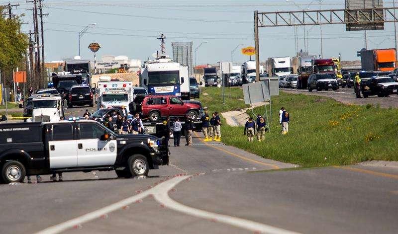 La Policía no ha confirmado oficialmente la identidad del atacante ni tampoco ha aclarado cuáles habrían sido los motivos que lo llevaron a provocar el caos durante veinte días en la capital texana. Foto: EFE