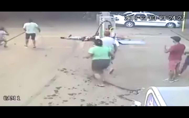 Hombre fue arrollado en una estación de combustible