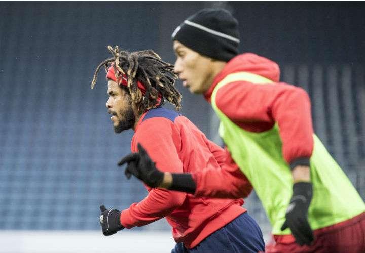 El defensa panameño Román Torres será titular en el partido de mañana ante Suiza. Foto AP