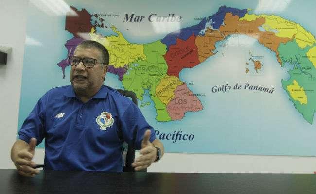 El técnico de la selección de Panamá. Foto: AP