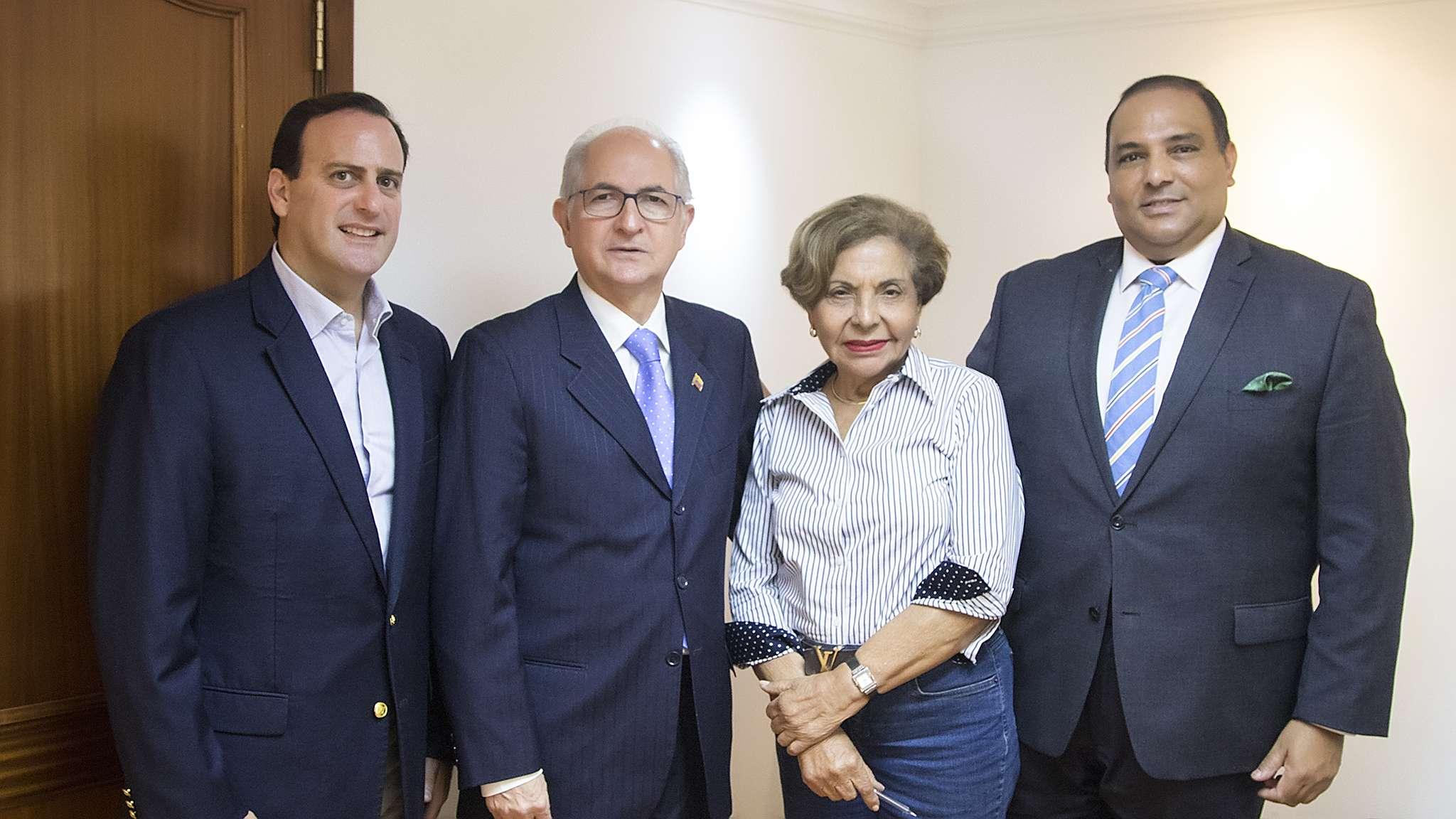 Además de Francolini y Ledezma, estuvieron presentes en la reunión, la señora Mayín Correa y Fernando Correa.