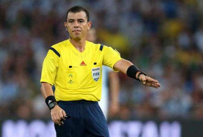 El árbitro salvadoreño Joel Aguilar.