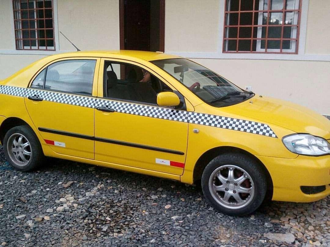 Los delincuentes se llevaron el taxi. Foto: Delfia Cortez