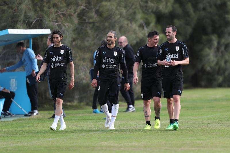 Jugadores de la selección de Uruguay se preparan para su último amistoso internacional. Foto EFE