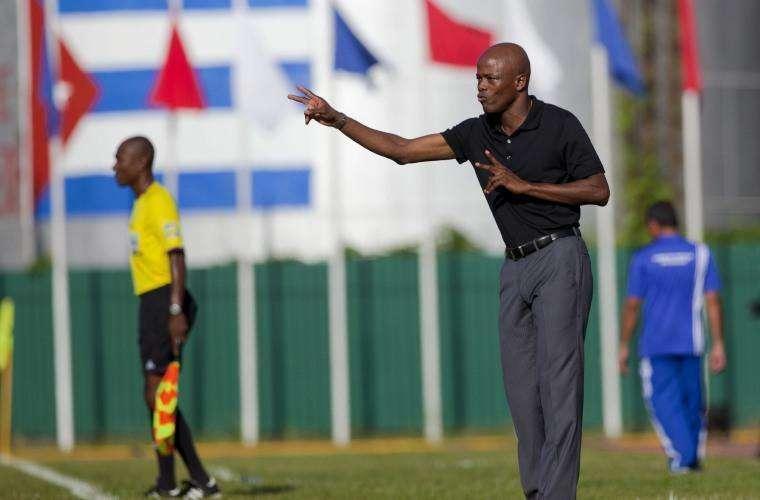 El entrenador panameño Julio Dely Valdés.