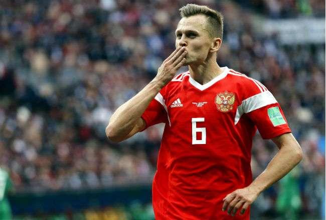 El jugador Denis Cheryshev celebra uno de sus goles. Foto: EFE