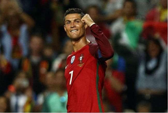 Cristiano Ronaldo de Portugal celebra luego de anotar un gol. Foto: EFE