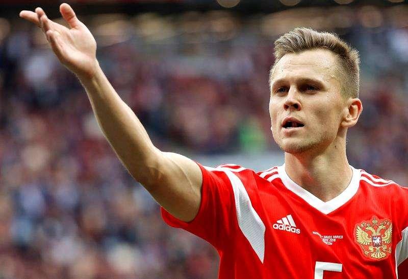 El ruso Denis Cheryshev anota su tercer gol en el Mundial de Rusia 2018. Foto EFE