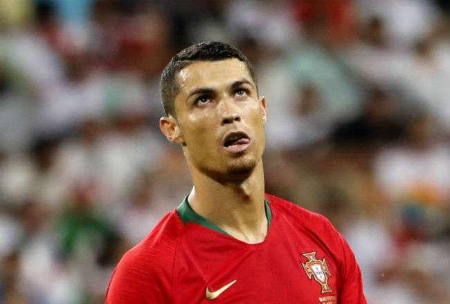 Cristiano Ronaldo no pudo anotar de penal ante Irán. Foto: EFE
