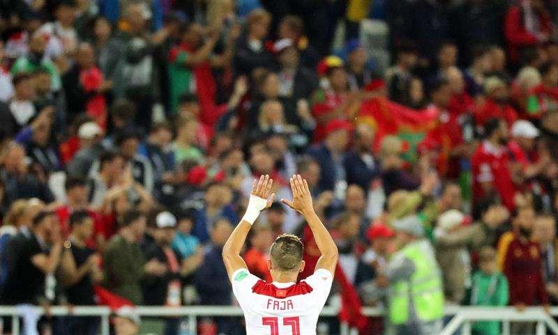 La victoria estuvo muy cerca, los aficionados marroquíes reaccionaron con deportividad y aplaudieron a sus paisanos a la conclusión del encuentro. Foto EFE