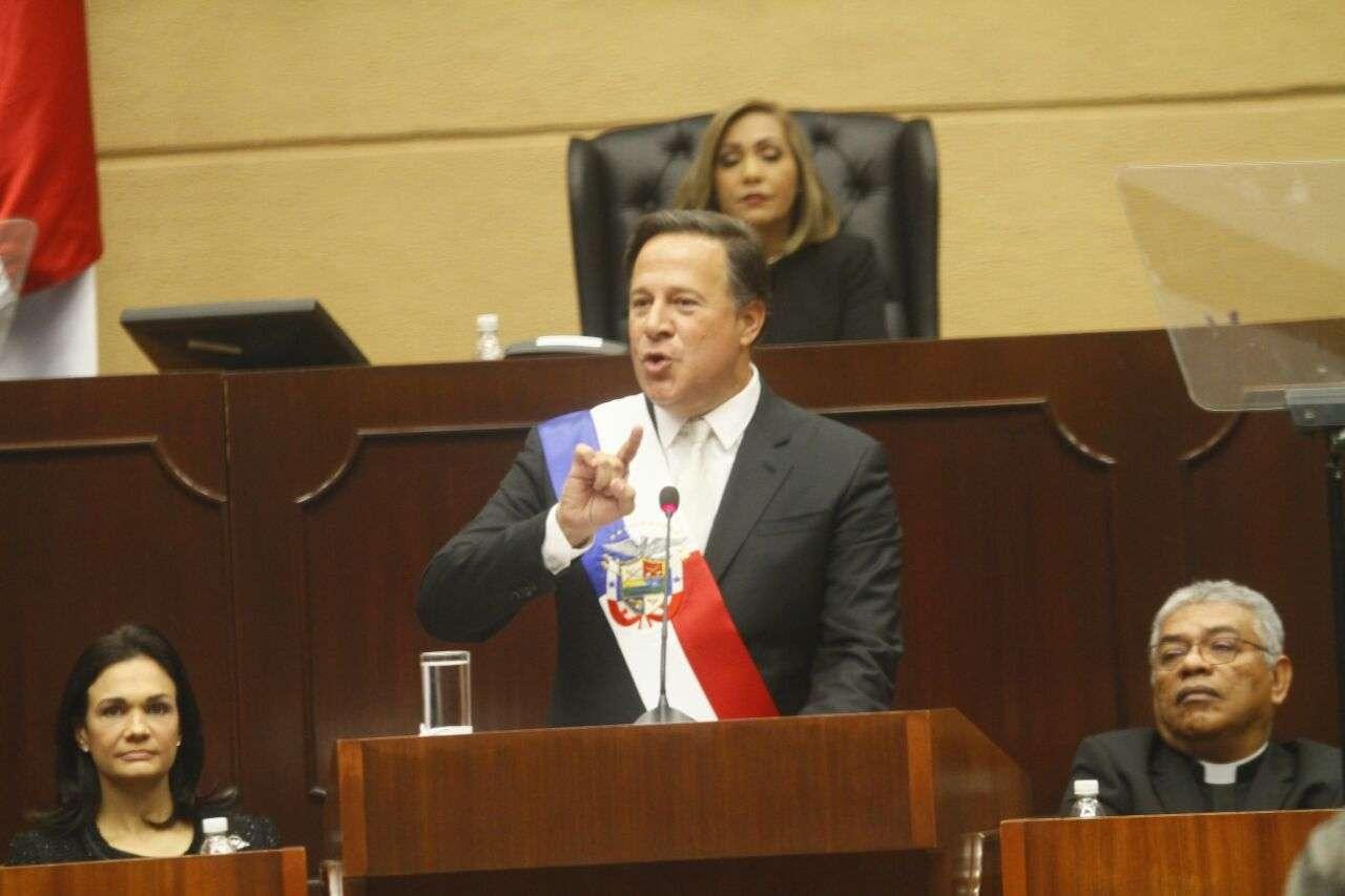 Presidente Juan Carlos Varela mientras pronunciaba su discurso en la Asamblea Nacional este 2 de enero.