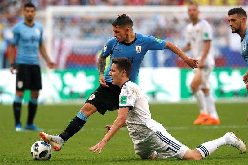 El uruguayo Lucas Torreira tuvo un partido inolvidable contra Portugal en octavos de final. Foto EFE