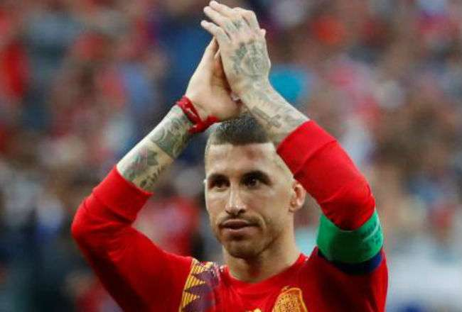 El jugador Sergio Ramos está decepcionado. Foto:EFE