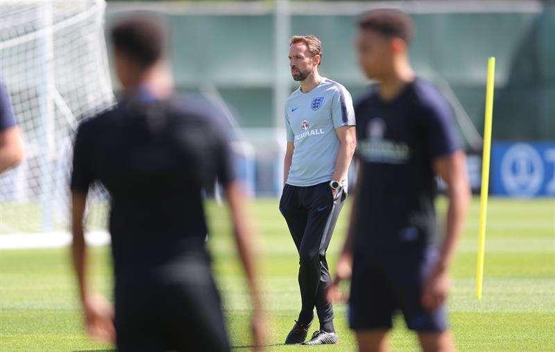 La selección inglesa se entrenó para su próximo partido en octavos de final. Foto EFE