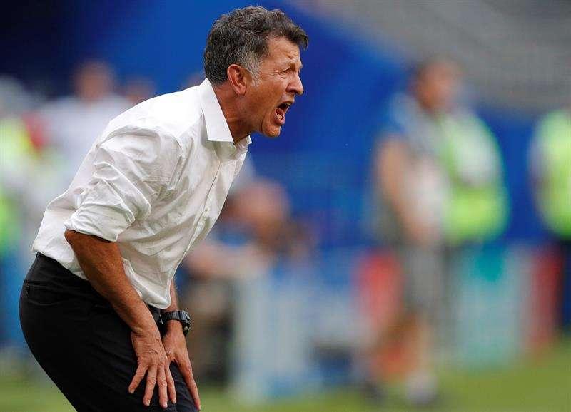 Juan Carlos Osorio se quejó por perder el partido de octavos de final ante Brasil. Foto EFE