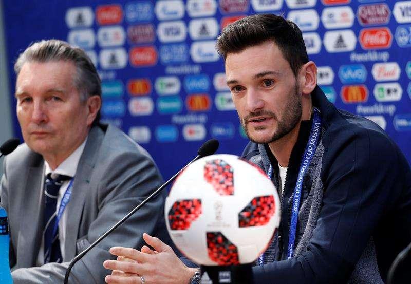 El guardameta de la selección de Francia Hugo Lloris participa en una rueda de prensa hoy. Foto EFE