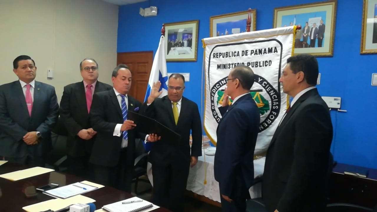 Juramentación del nuevo Director General del IMELCF