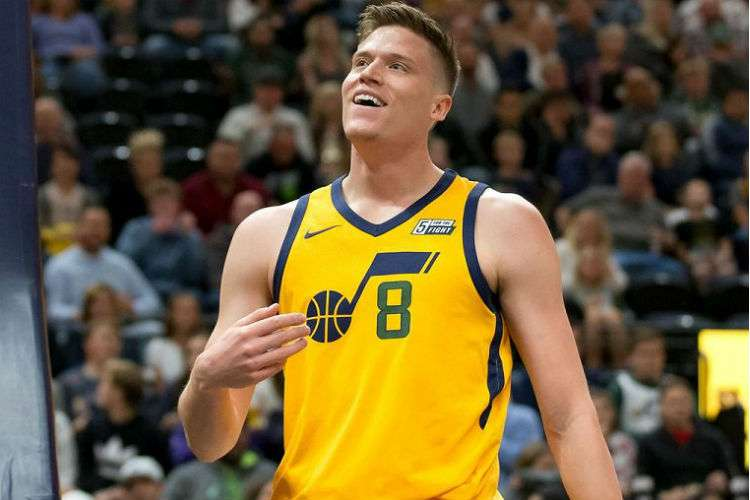 Jonas Jerebko dejará a los Jazz de Utah para unirse a los campeones de la NBA.
