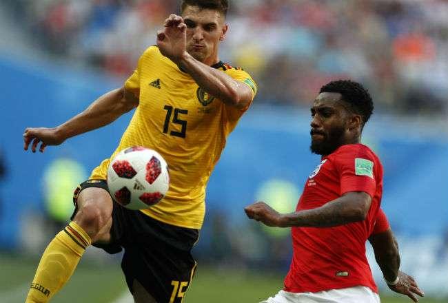 El jugador Thomas Meunier (amarillo) Foto:AP