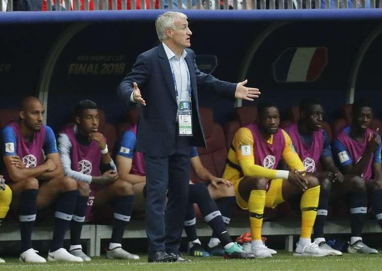 Didier Deschamps  durante el partido final del mundial ante Croacia. Foto: EFE