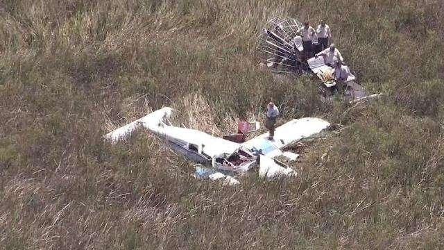 Una de los aparatos parece ser un Cessna de un motor y el otro un Seneca de dos motores. Foto: Cronica.com