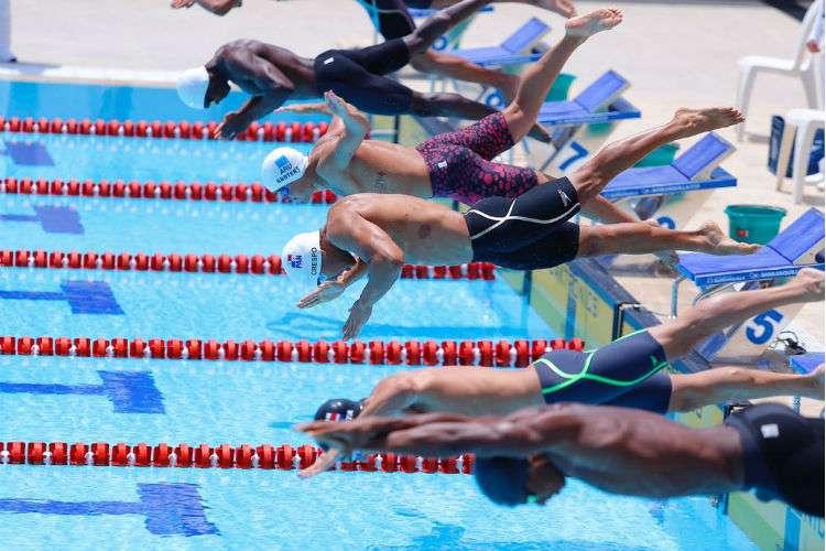 Prueba de los 50 metros pecho en la natación de los Juegos Centroamericanos y del Caribe. Foto: COP