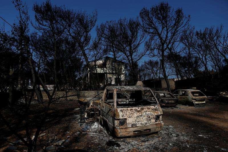 Zona afectada  en la región griega de Atica. Foto/EFE