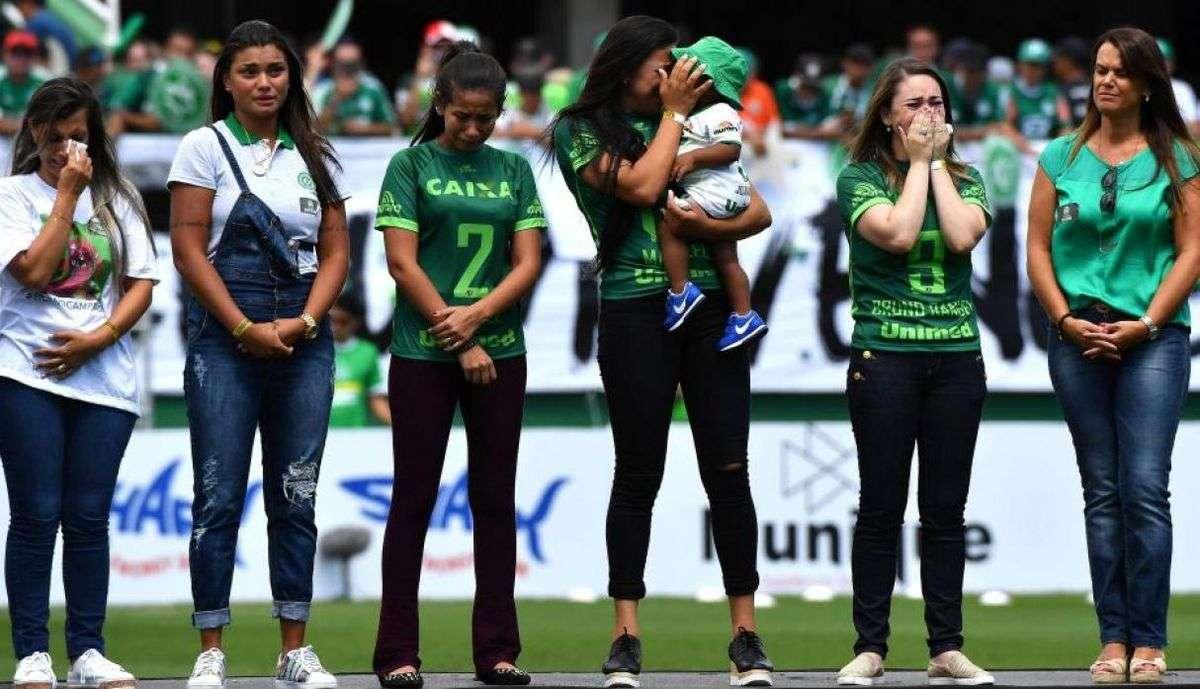 Los familiares de los miembros del equipo del Chapecoense que fallecieron en el accidente aéreo luchan por recibir una compensación económica. /Archivo