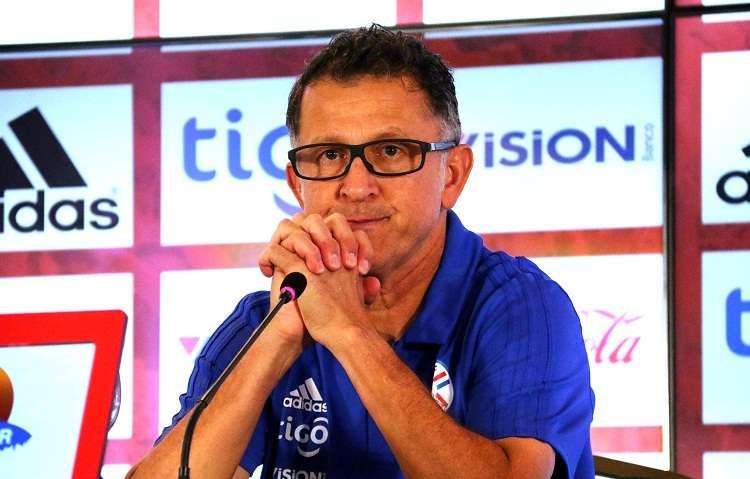 El entrenador de la selección nacional de fútbol de Paraguay, Juan Osorio. Foto: EFE
