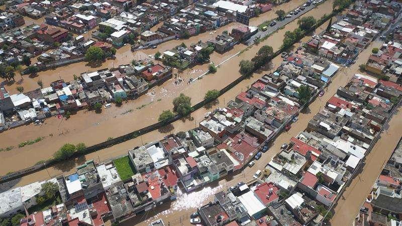 Vista de una zona urbana afectada por las inundaciones debido a tormentas por el huracán Willa. EFE
