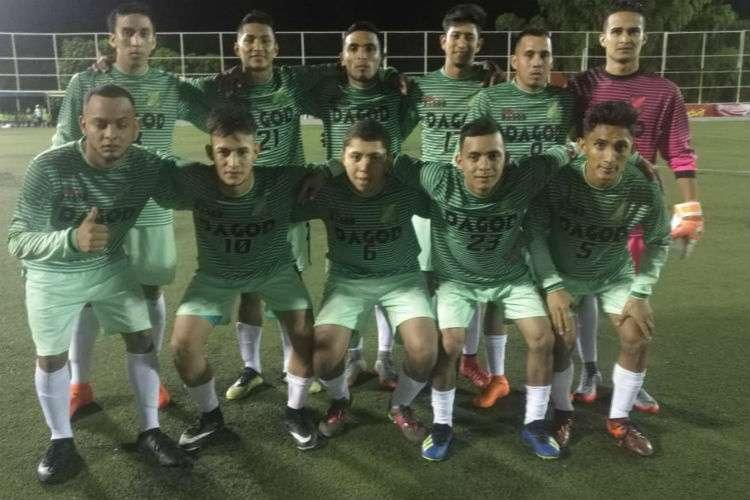El onceno de Da God FC, de Chiriquí, clasificó a la fase de octavos de final de la Copa. Foto: Fepafut
