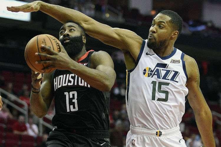 James Harden estará fuera de acción en los próximos dos encuentros de los Rockets. Foto: AP