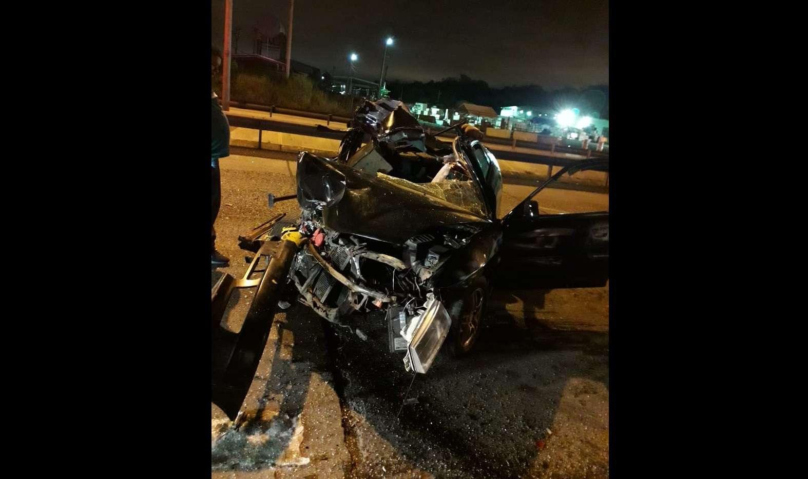 Vista general de la condición en la que quedó el sedán luego de la colisión. Foto: @TraficoCPanama
