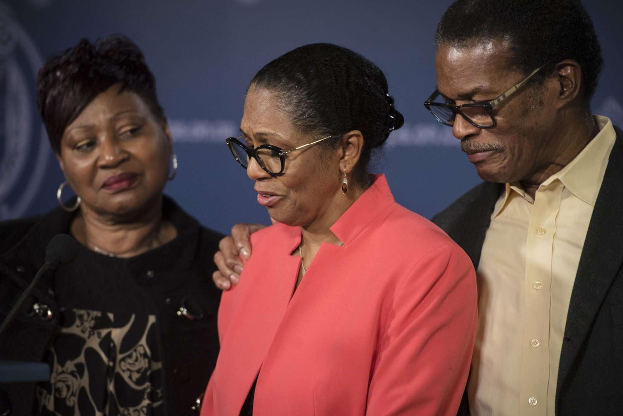 """Lyneth Mann-Lewis dijo: """"Quiero animar a otras familias con hijos desaparecidos y seres queridos a que nunca se rindan para encontrarlos"""". AP"""