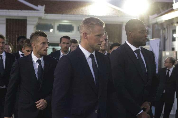 Jugadores del Leicester durante los actos del funeral en Tailandia. Foto: AP