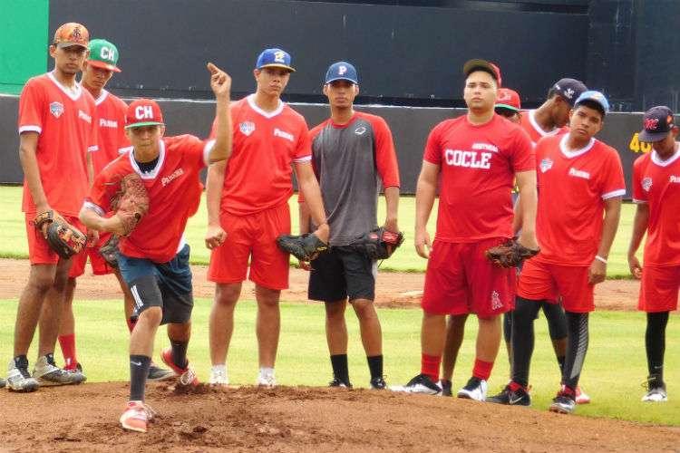 Entrenamientos de la Sub-18 de Béisbol. Foto: Fedebeis