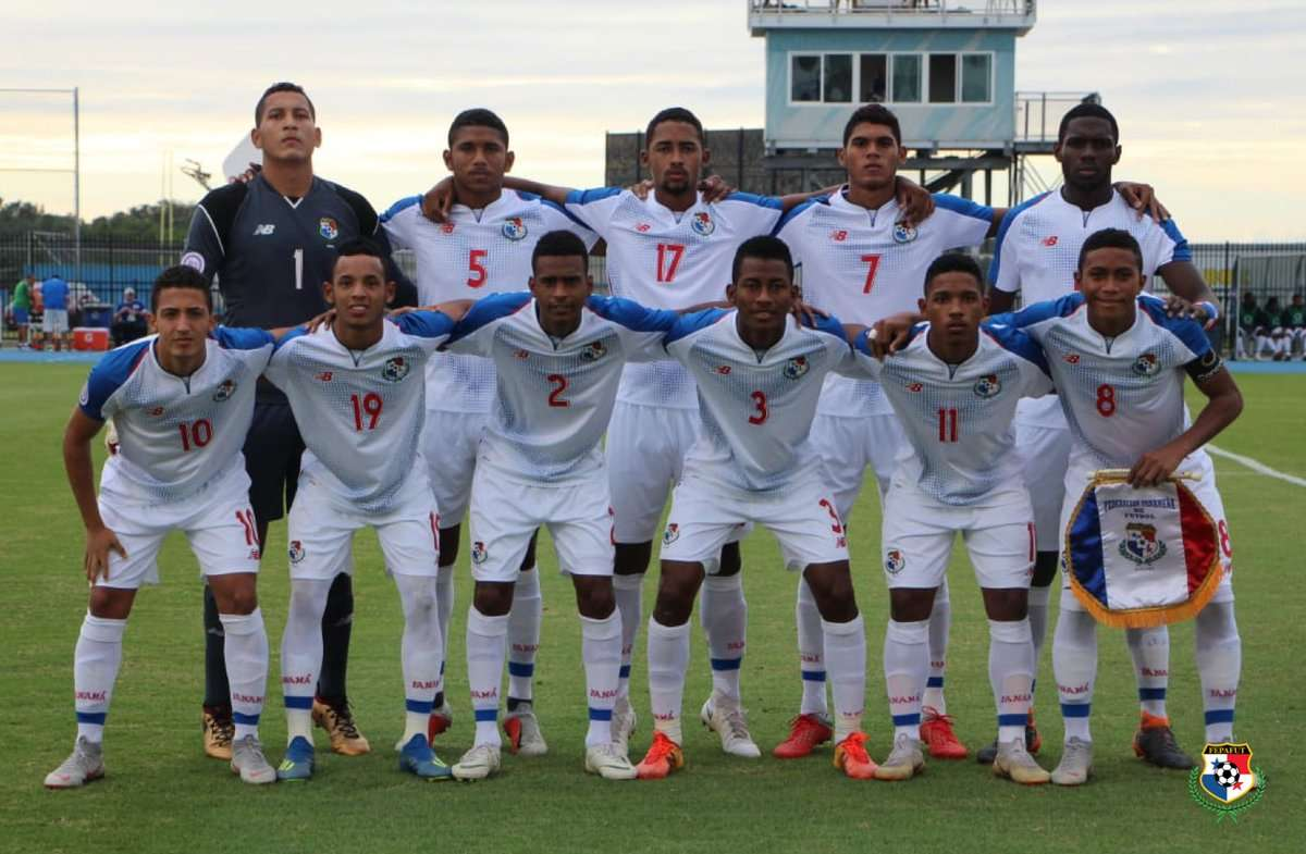 El equipo titular de Panamá que venció hoy 1-0 a El Salvador. Foto: Fepafut