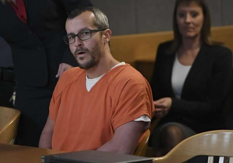 Christopher Watts, recibió tres cadenas perpetuas consecutivas sin posibilidad de libertad condicional el lunes, casi dos semanas después de declararse culpable para evitar la pena de muerte.  AP
